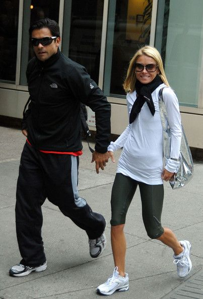 Kelly Ripa and Mark Consuelos Photos Photos - Kelly Ripa and husband Mark Consuelos after her TV show where Mark was her guest host. Today is Kelly's 39th birthday and Mark spent the afternoon helping her celebrate it. He took her to a midtown gym for 2 hours before heading home. - Kelly Ripa & Husband Leaving A Gym In New York City