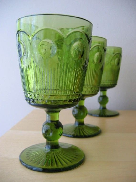 These would match the catch-all bowl I inherited from my great-grandmother :D