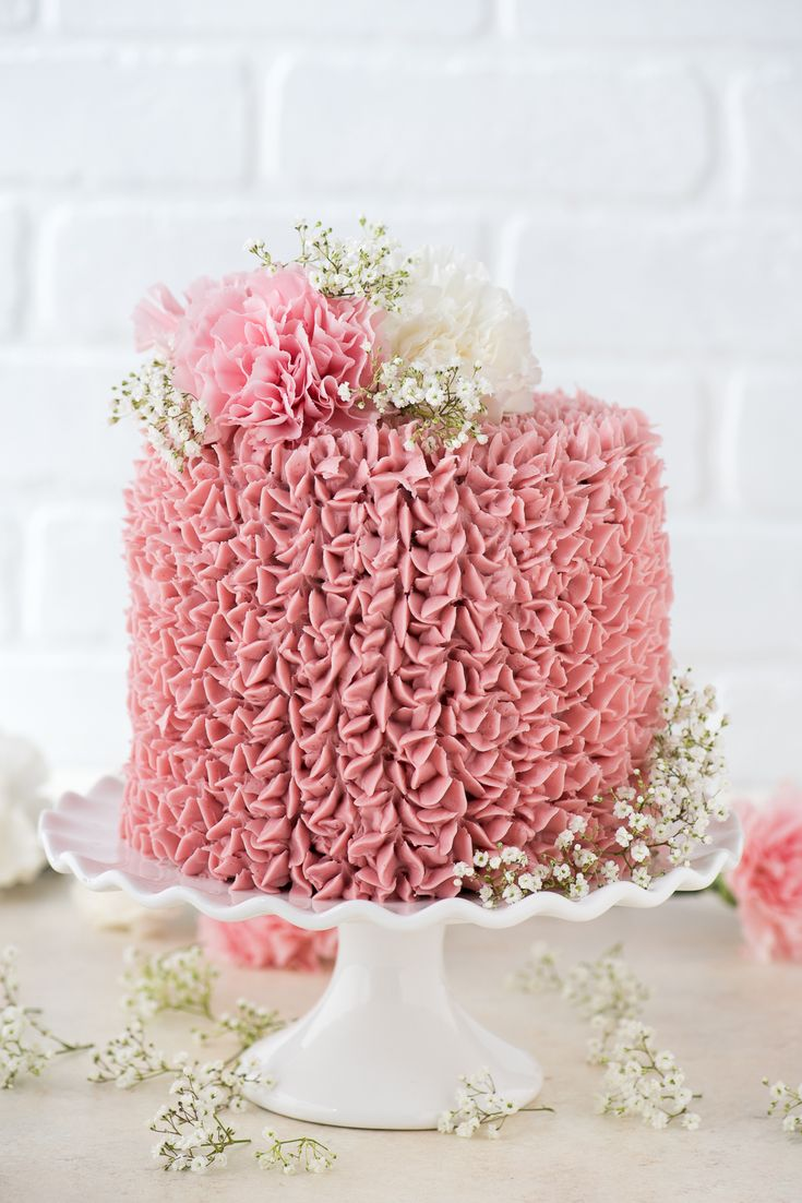 wedding cake decorating frosting recipe best 25 pink chocolate ideas on pink 22374