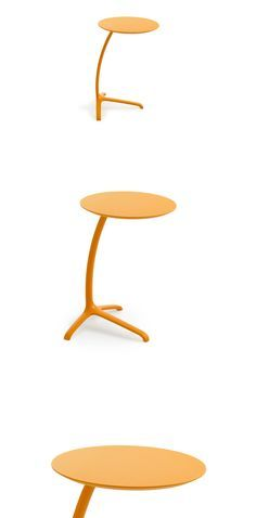 Side Table Griffo by Leolux. This lovely occasional table is light and easy to move using the handle under the leaf.