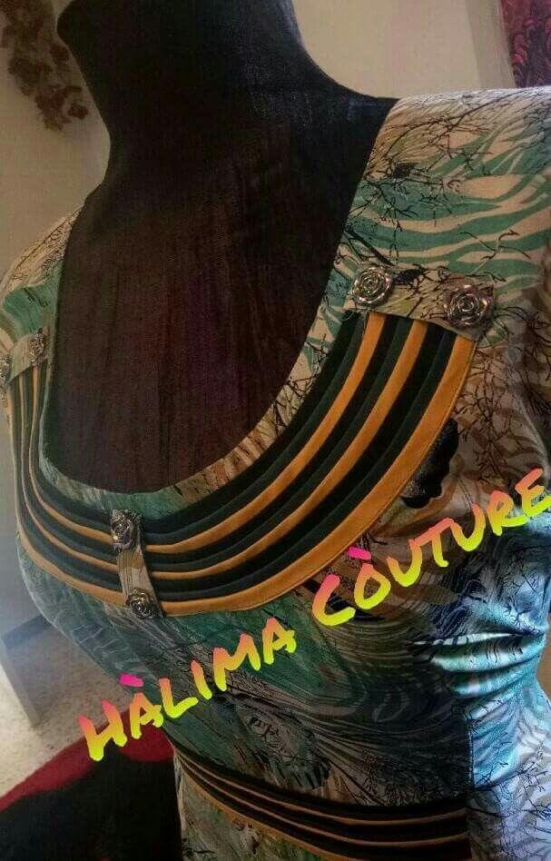 Pin By Bouchemoukha Najet On Robe Maison Dress Neck Designs Neck Designs For Suits Saree Blouse Designs Latest