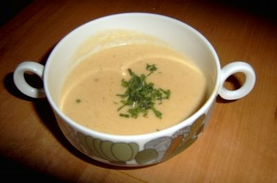 Suppe: Sellerie-Käse Creme Suppe