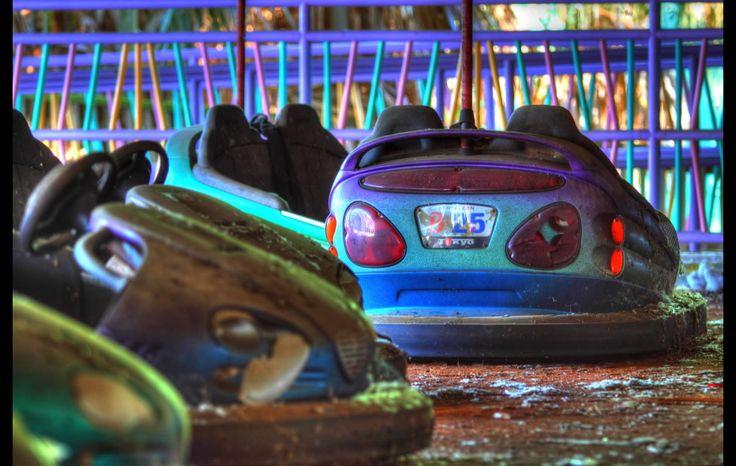 coche autos de choque parque atracciones abandonado perdido lost defunct theme park bumper car fotografía photography lugares places miraquechulo