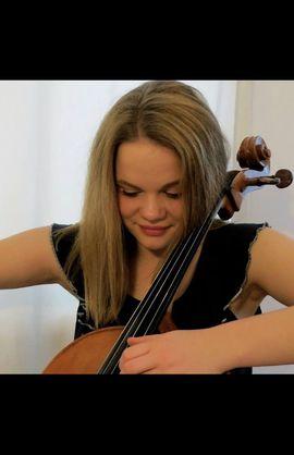 SCHEIPNER-SCHEIPNER-DUO                 Rüdiger Scheipner: Altsaxophon, Bassklarinette                                         Sophie Scheipner: Violoncello                 Musik von freier Improvisaton bis Telemann