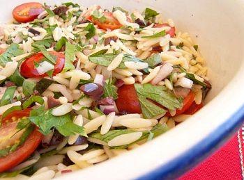 Средиземноморский салат с орзо