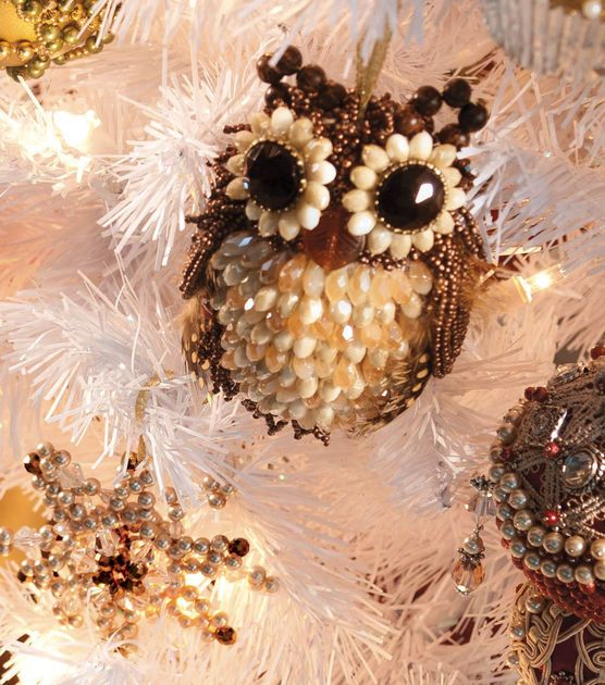 Adorable beaded owl holiday ornament! #simplycreativechristmas