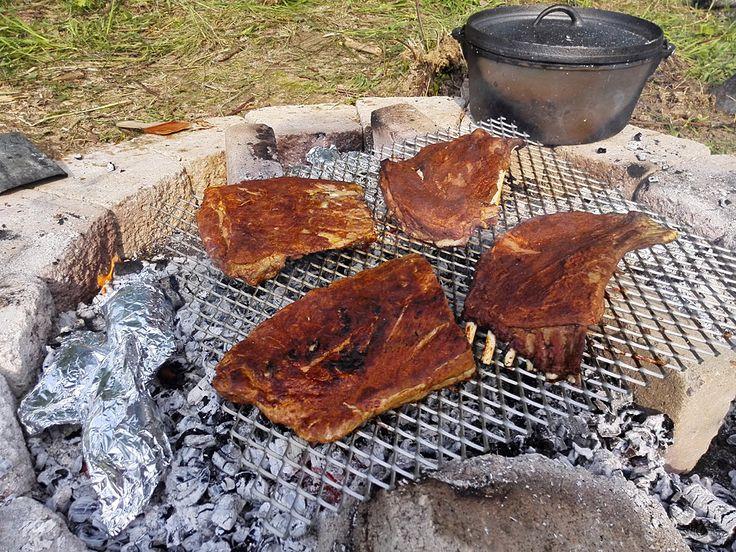 Der Mensch lebt nicht nur vom Fleisch alleine! Auch am Lagerfeuer braucht es Sättigungsbeilagen und ein bischen Kohlehydrate… Wer…