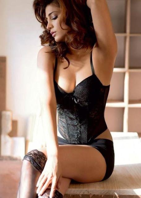 shruti hassan hot photos in black color transparent bikini and show more sexy…
