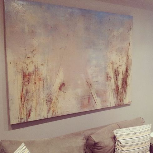 How to bring the character of the Australian  landscape into your #livingroom #abstractpainting created by Simon Brushfield #interiordesign #homedecor #livingroom #decorating