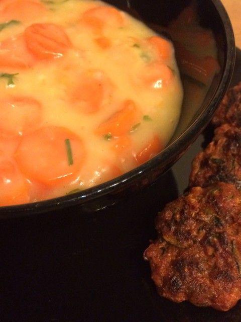 Sárgarépa főzelék cukkinis húskoronggal