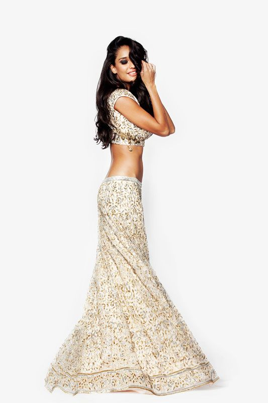 Cream and gold bridal lehenga. Lisa Haydon for Armaan by Sunaina Puri Winter 2014-2015 Collection. Indian wedding outfit #lehenga #indianwedding