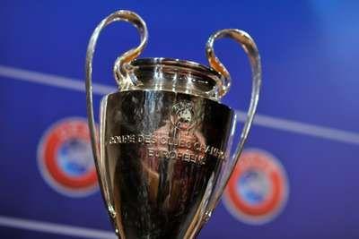 Madrid, Barca, Bayern, dan Juve, Empat Tim yang Paling Sering ke 4 Besar Real Madrid, Barcelona, Bayern Munich, dan Juventus sudah maju ke semifinal Liga Champions ini, menegaskan fakta bahwa keempatnya juga merupakan tim-tim yang paling sering menembus babak empat besar ajang tersebut.   Dua tiket semifinal baru saja diamankan oleh Madrid dan Juve, Kamis (23/4/2015) dinihari WIB. Keduanya menyusul Barca dan Bayern yang lebih dulu melangkah, Rabu (22/4/2015) dinihari WIB.  Menurut Infostrada…