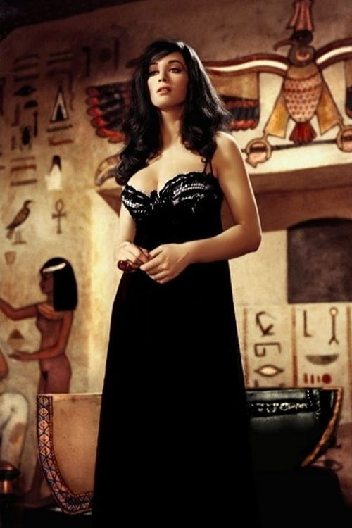 Valerie Leon - Blood from the Mummy's Tomb (1971)