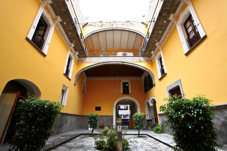 Interior de la casa de los mu ecos ciudad de puebla for Casa mansion puebla