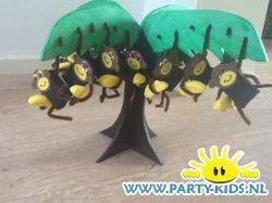 Aapjes in de boom - Traktatie snoep, Traktaties - En nog veel meer traktaties, spelletjes, uitnodigingen en versieringen voor je verjaardag of kinderfeest op Party-Kids.nl