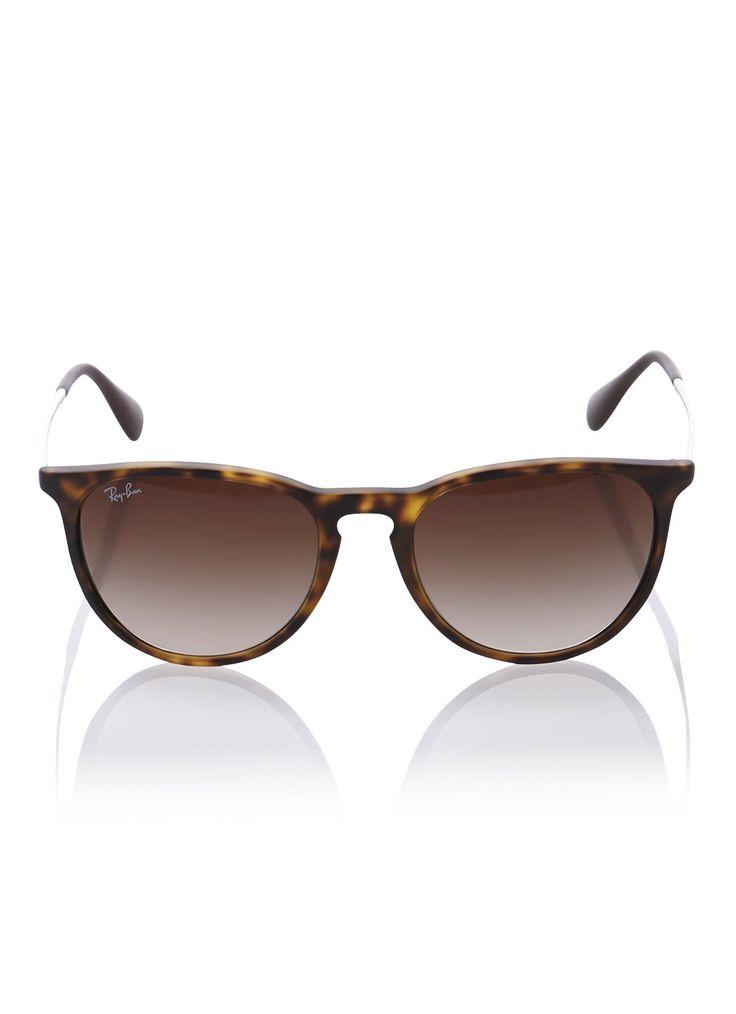Ray-Ban zonnebril van kunststof. Dit butterfly model is uitgevoerd in de kleur bruin met tortoise motief. De zonnebril is voorzien van bruine, normale glazen met kleurverloop in filtercategorie drie. De metalen pootjes zijn afgewerkt met kunststof uiteinden. De zonnebril van Ray-Ban wordt geleverd met een luxe opbergetui en brillendoekje. Model: *0RB4171 865/13 54