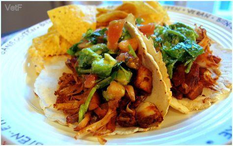 Tacos à l'effiloché végétalien - vert et fruité