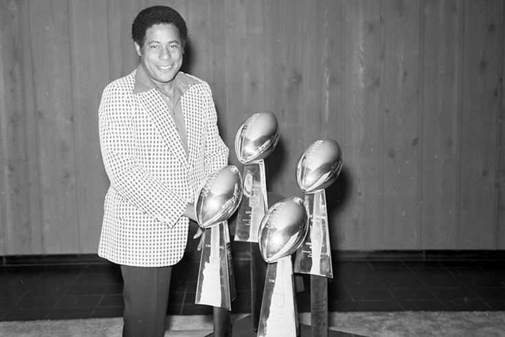 Bill Nunn - He Helped Steelers Win Super Bowls Flying Under the Radar - Mike Prisuta's Sports Section - December 2015