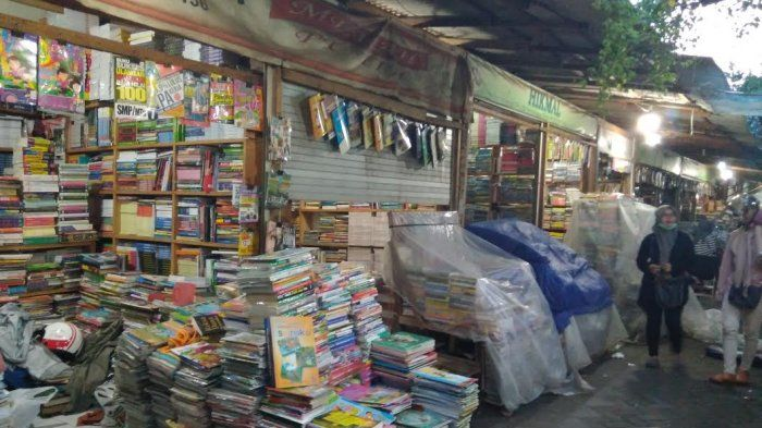 Inilah Surganya Penggemar Buku di Surabaya, Orang Makassar Belanja Sampai Berkarung-karung