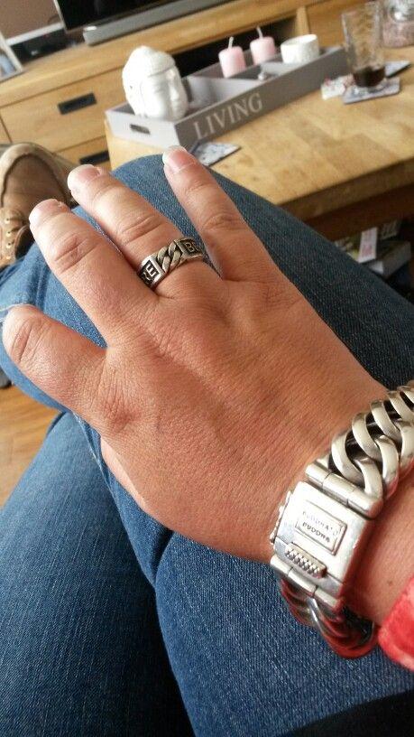 Nieuwe chain big met menasa ring