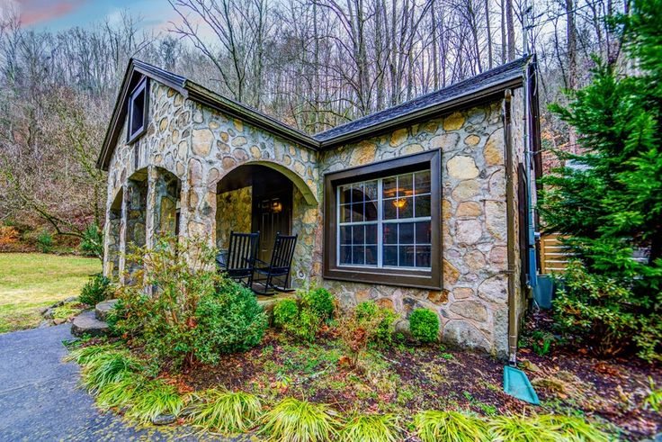 Best 25 smoky mountains cabins ideas on pinterest for Smoky mountain tennessee cabin rentals