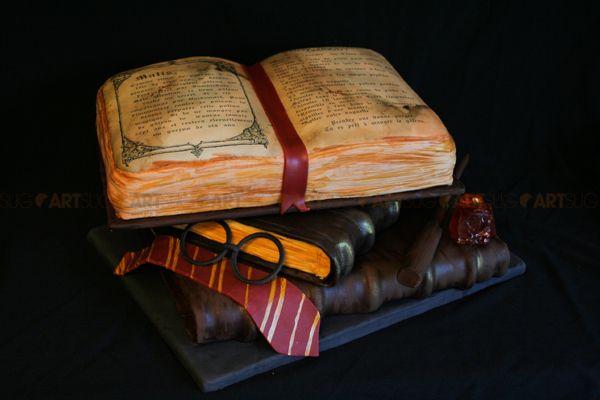 g teau livre harry potter pour enfants pinterest amoureux amour et g teaux. Black Bedroom Furniture Sets. Home Design Ideas