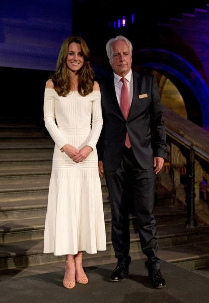 Kate Middleton - Catherine, Duchess of Cambridge poses for photographs on stage with Germany's Martin Roth, Director of the Victoria and Albert Museum in his capacity as the representative of the winner of the Art Fund Museum of the Year 2016 prize at the Natural History Museum on July 6, 2016 in London