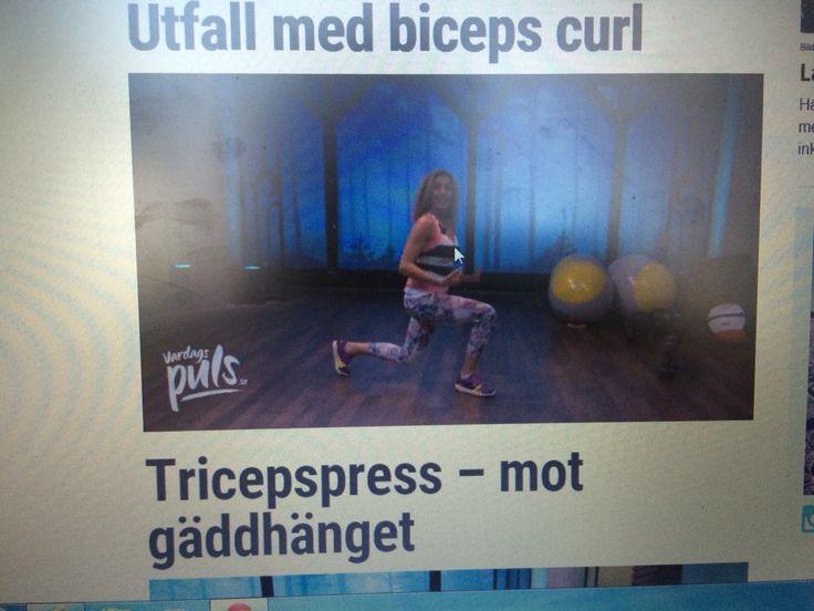 Utfall -utfall, rak överkropp, ta ett steg bakåt då du böjer det benet ordentligt 10 på varje ben. Mycket bra övning