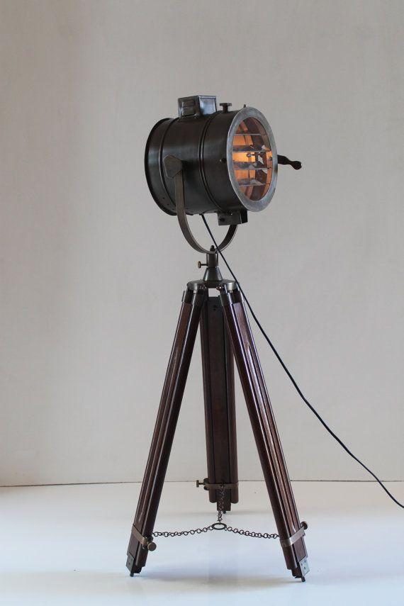 Antieke nautische vloerlamp Tripod industriële door TheDezinez
