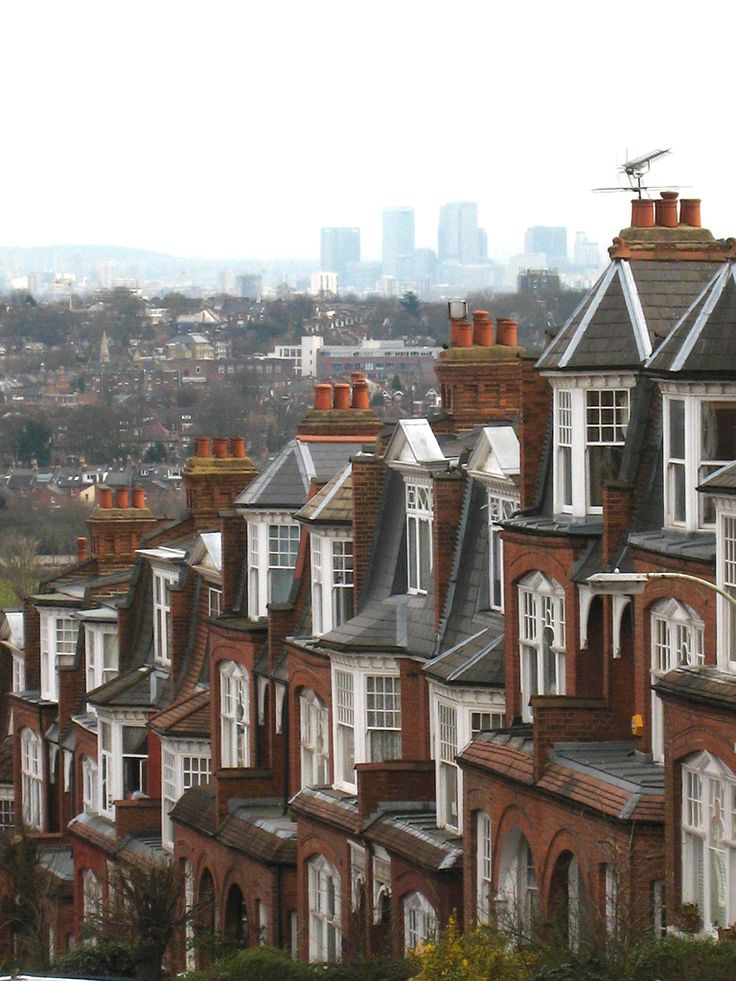 The Edwardian houses of steep Muswell Hill, a suburban street in the north part of greater London, England.