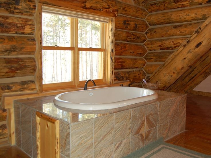 What a great tub! Doesn't everyone imagine themselves here after a long day on the mountain!? Only at #StayWinterPark in #WinterPark, CO