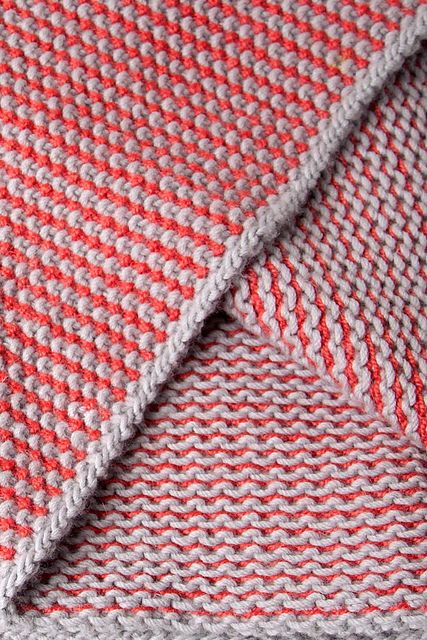 How to knit this slip stitch pattern.  Also free cowl download from Ravelry: Array pattern by Shibui Knits