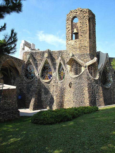Colonia Güell,Gaudi,  Barcelona, España,UNESCO, Patrimonio de la Humanidad 15, 7, 2005
