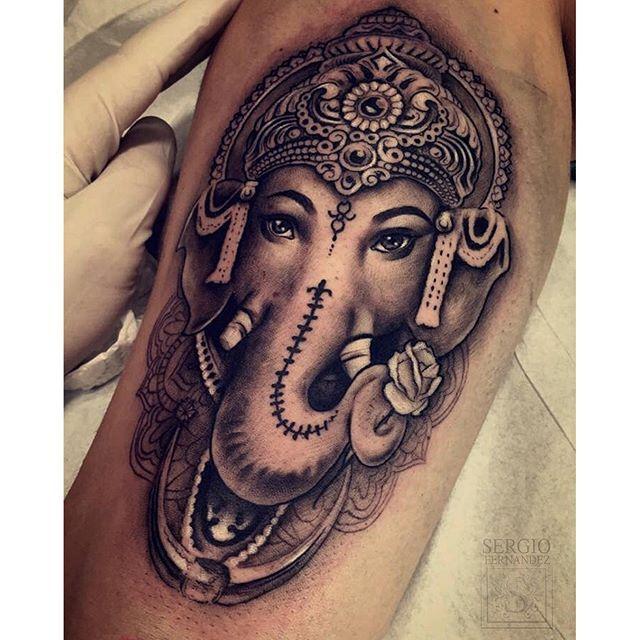 #mulpix >>Pequeño tatuaje pero muy divertido...   #ganesh  #ganesha…