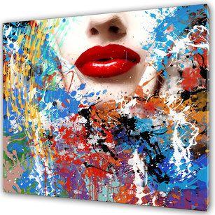 #Fancy #Lips är en färgrik tavla. Utmärkande #röda #läppar på en #tjej. Runt ansiktet och #läpparna förekommer det många olika färger. Färgerna som dominerar mest i tavlan är blå, röd, lila, vit och gul.