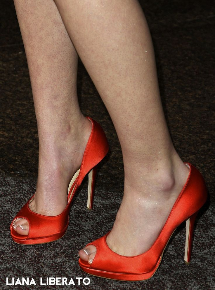 Best 25+ Celebrity Feet ideas on Pinterest | Jennifer ...