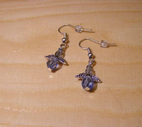 Angyalkás fülbevaló, Ékszer, óra, Fülbevaló, Üveg gyöngyökből készült ez az apró, 1,5 cm-es halvány kék színű angyalkás fülbevaló. ..., Meska