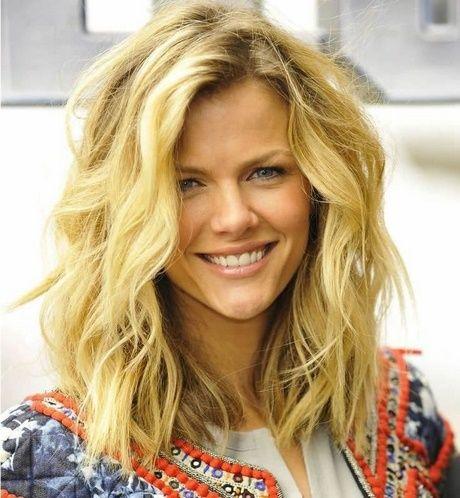Hairstyle ideas for medium-length hair