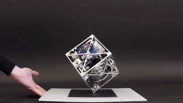 Meet Cubli, a motorized box that balances perfectly on ONE CORNER