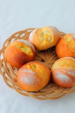 「香ばし全粒粉のチーズパン」あいりおー | お菓子・パンのレシピや作り方【corecle*コレクル】