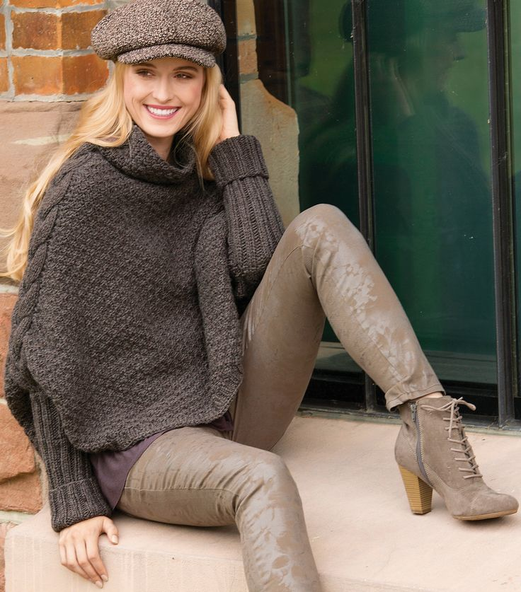 Накидка-свитер с рельефной «косой»