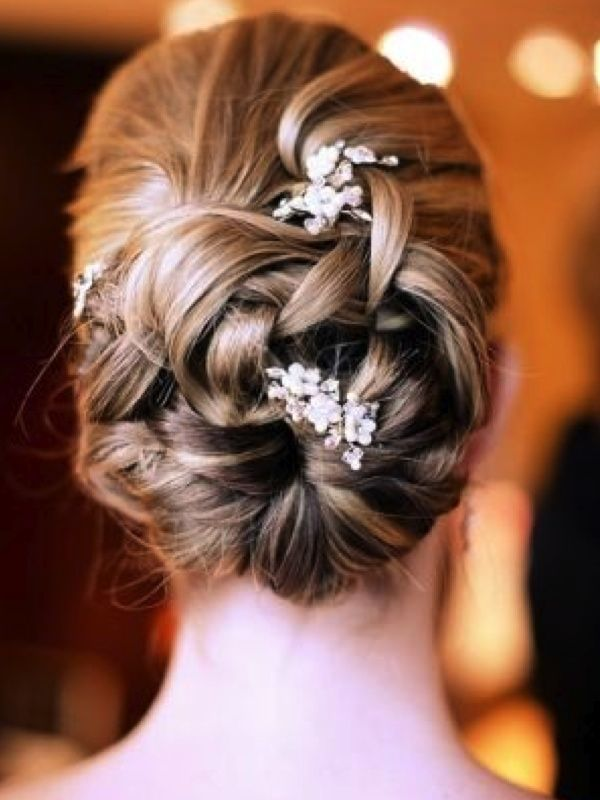 31 Breathtaking Wedding Updo Hairstyles for Blonde Brides | Eventi e Wedding P. - The Wedding Blog
