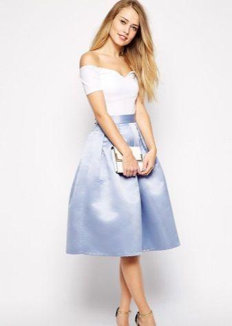 Пышные юбки (94 фото): из фатина, с чем носить, фасоны, модели в стиле ретро, черные, белые, длинные в пол, солнце, с завышенной талией