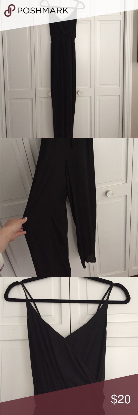 Forever 21 black wide leg jump suit size small Hard to photograph this jump suit has wide leg with a ti waste. Low cross back with adjustable straps. Elastic waste band for pull on styling. Great for summer never worn make an offer! True to size small Forever 21 Other