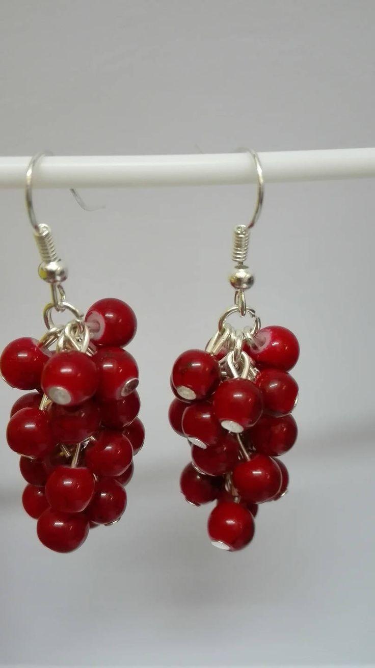 Boucles d'oreilles pendantes argentées grappes perles rouges marbrées 5 cm de la boutique DeessesEtNymphes sur Etsy