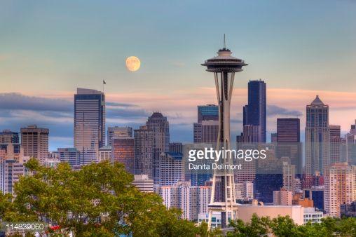 Luna şi Acul Spaţial 57 - Seattle, statul Washington, SUA
