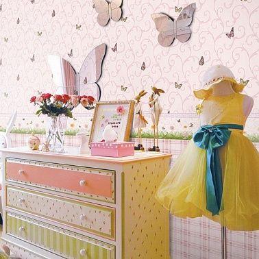 Детские обои для комнаты девочки из коллекции Forever Young. Дизайны обоев специально для романтичных, легких девчачьих фантазий.