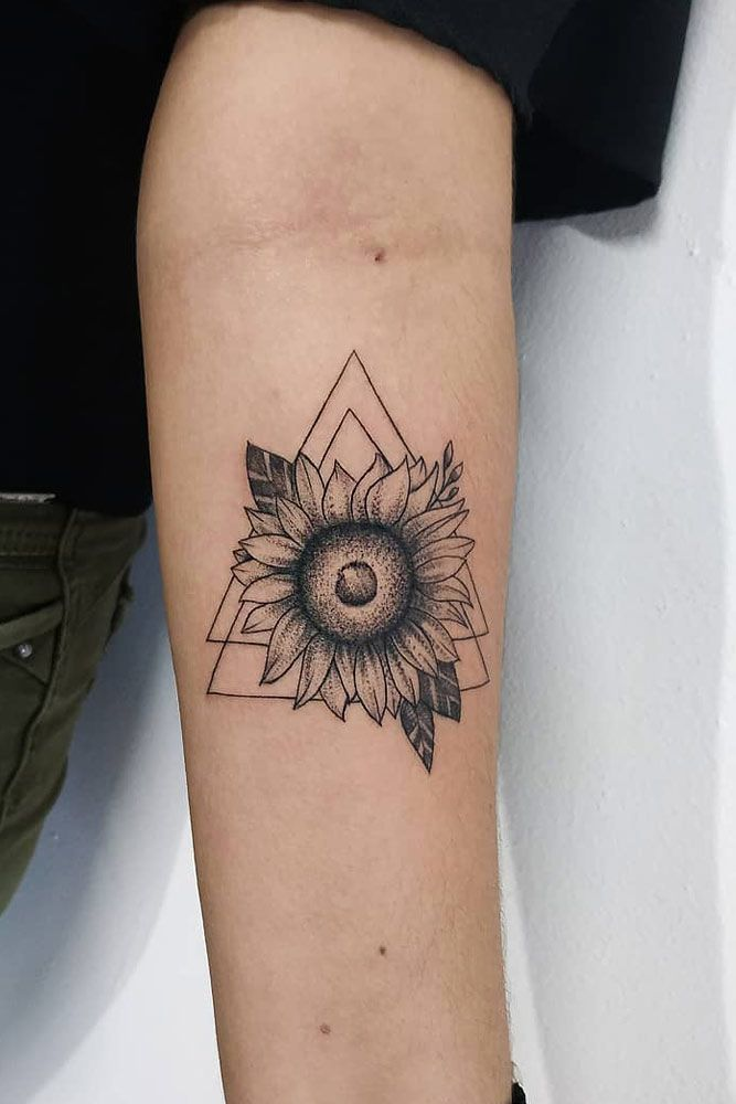 Get Yourself Inspired With Our Sunflower Tattoo Ideas Sunflower Tattoo Watercolor Sunflower Tattoo Sunflower Tattoo Thigh