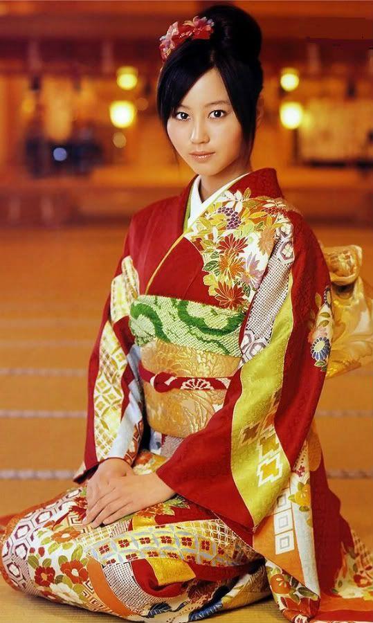 Japanese Traditional Kimonos Women | kimono-traditional-clothing-for-japanese-women-japan-japan1152 ...