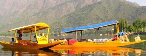 Get a #huge list of #hotels in #Srinagar